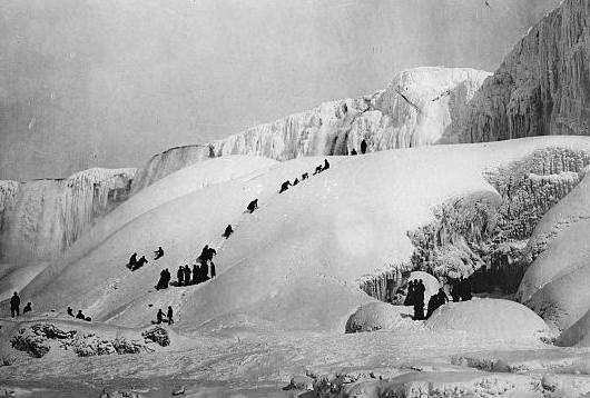 Niagara Ice Mountain