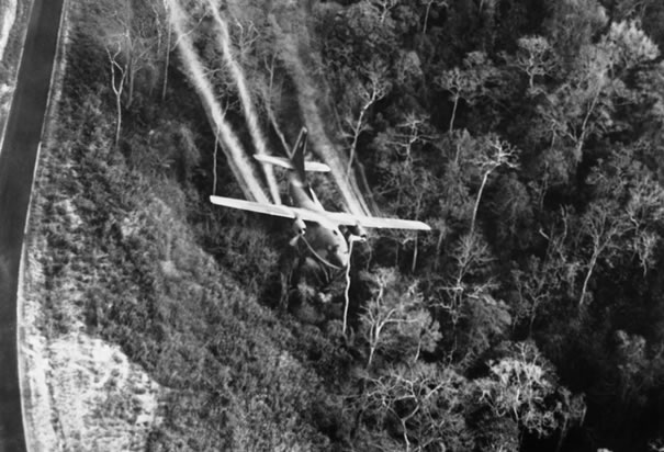 spraying-agent-orange-vietnam