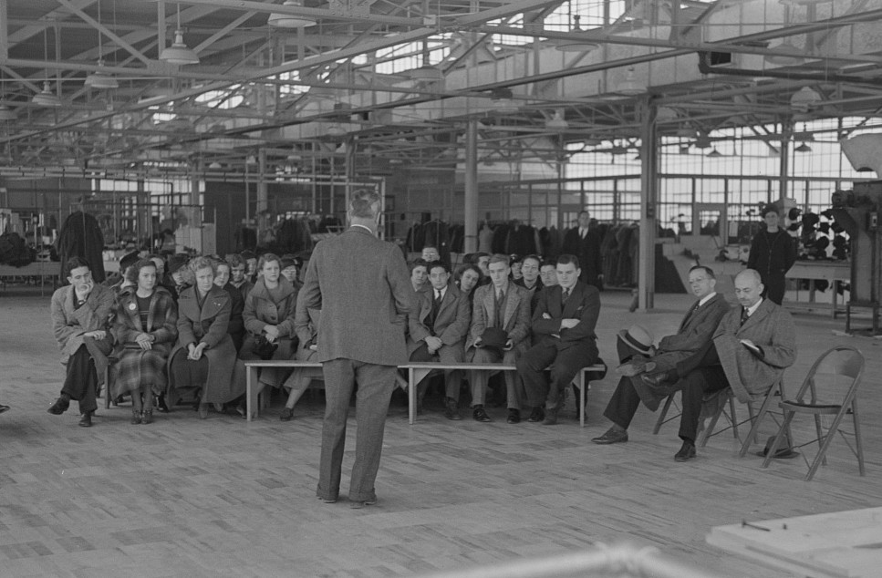 Director of information, Jersey Homesteads, speaking to visitors of the factory, Hightstown, New Jersey nov. 1936 russell lee