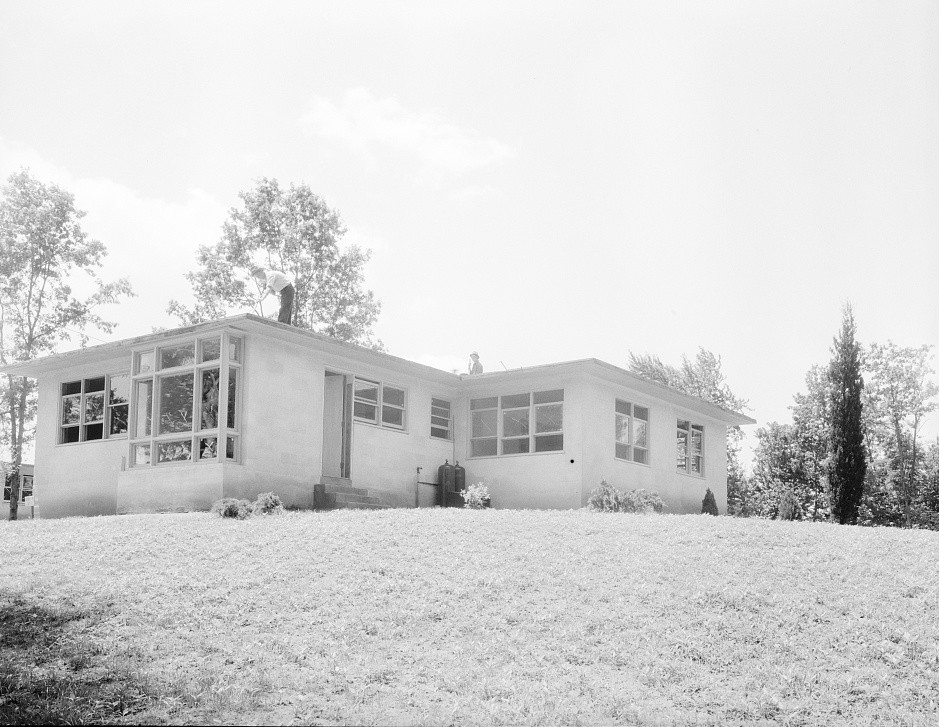 Hightstown, New Jersey. The model house, nearly completed june 1936 dorothea lange