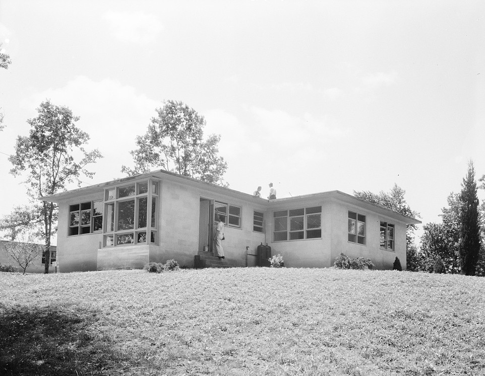 Hightstown, New Jersey. The model house nears completion. Note landscaping june 1936 dorothea lange
