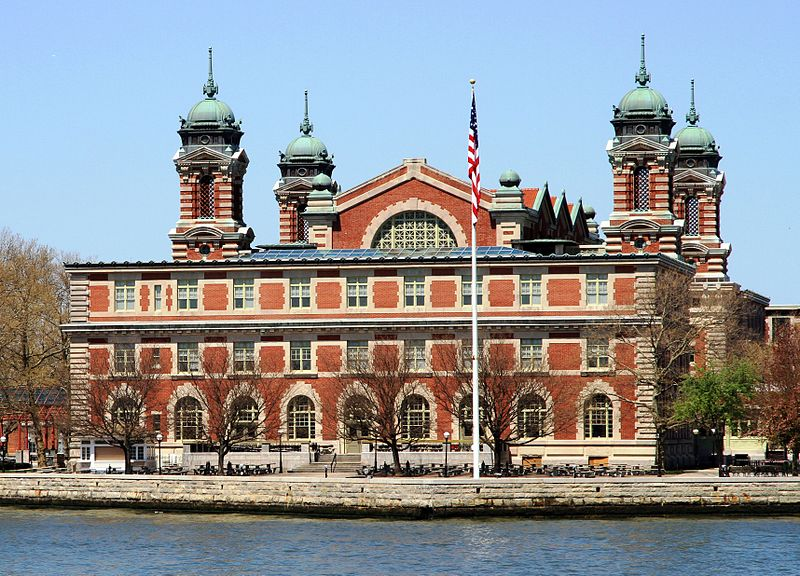 Remarkable film of Ellis Island Immigrants arriving on July 24, 1903