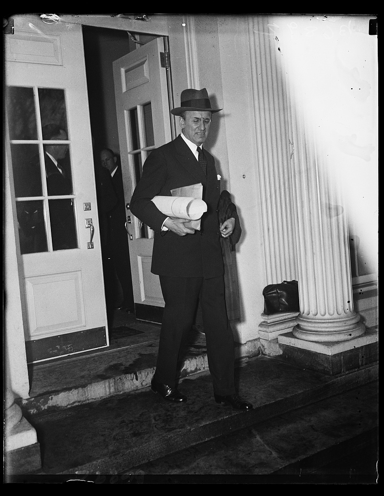 Can you believe a man who didnt want to be mayor won this election henry morgenthau jr jan 21 1935 leaving white house photographed by harris and ewing fandeluxe Gallery