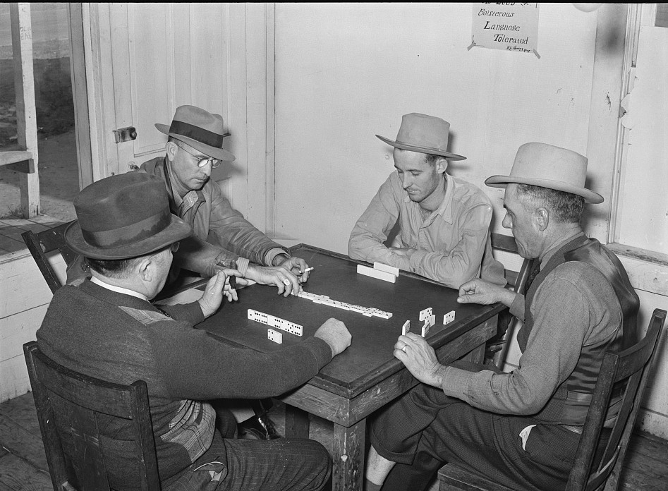 Domino game in beer parlor. Sebastian, Texas3 Feb. 1939 - Russell Lee