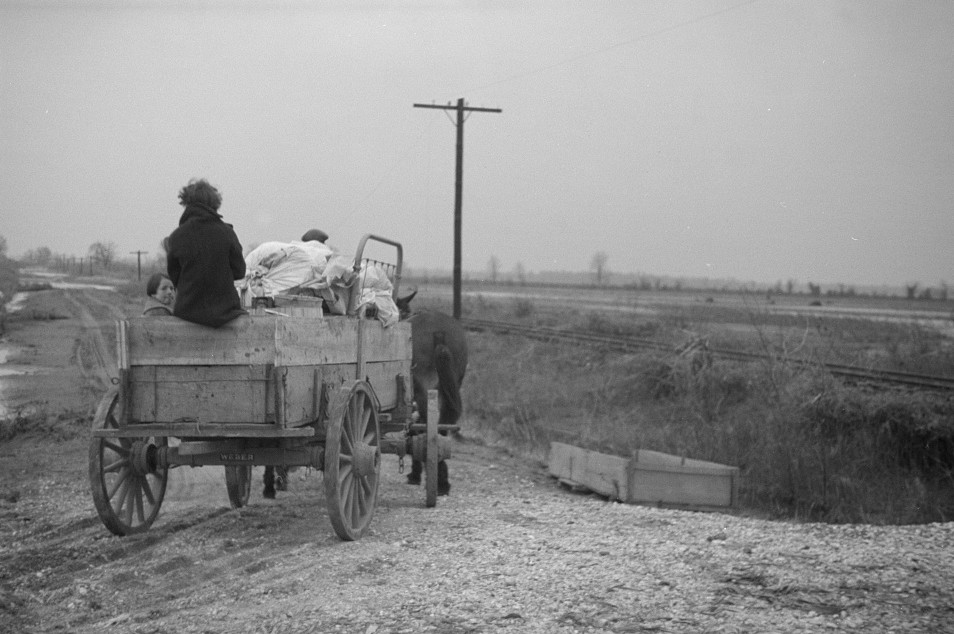 Family on the move during the flood of 1937, Ridgeley, Tennessee2