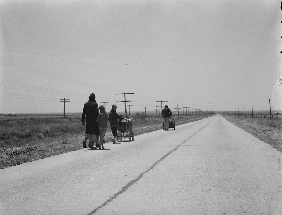 Flood refugee family near Memphis, Texas5 may 1937