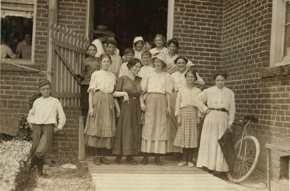 Group at Tidewater Knitting Mills, Portsmouth, Va. I went through the mill s