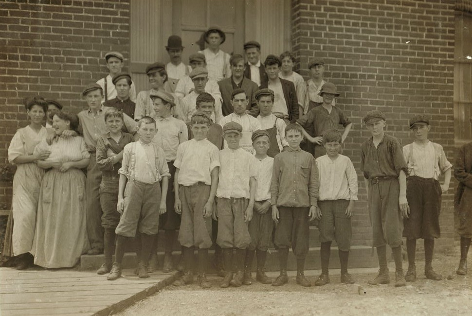 Group at Tidewater Knitting Mills, Portsmouth, Va. I went through the mill s4