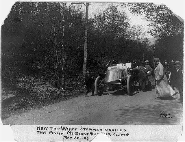 How the White Steamer crossed the finish, Mt. Giant De...r climb, May 30, 1907