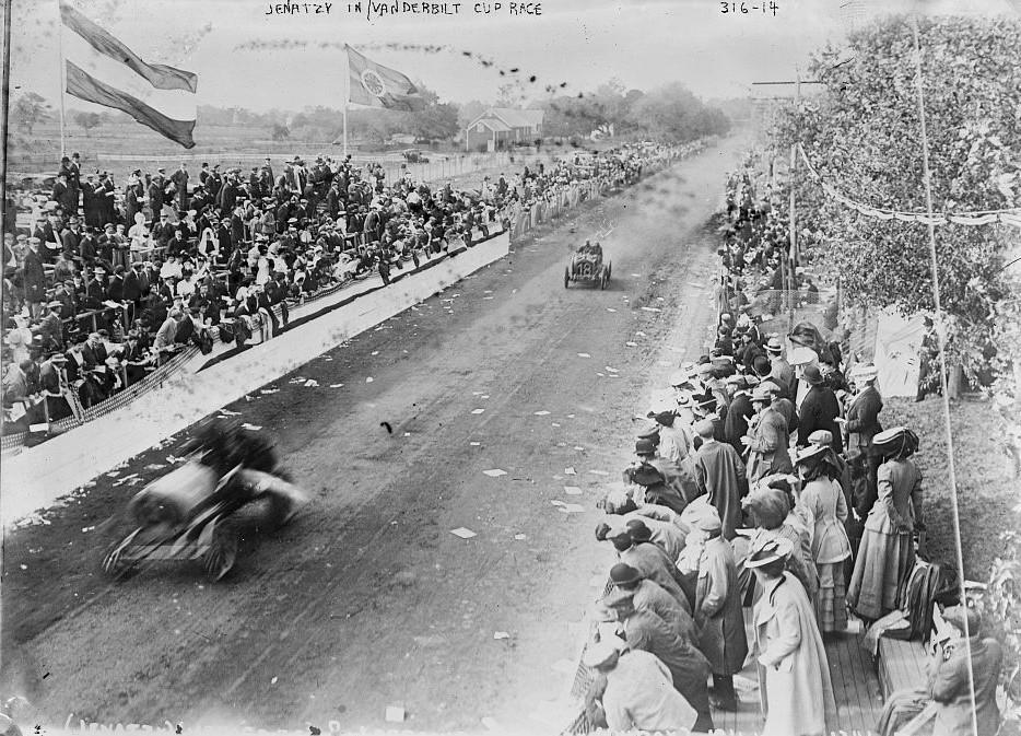 Janatzy in Vanderbilt Cup Race Bain News service