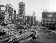 San Francisco earthquake in 1906 – film of before and after comparison