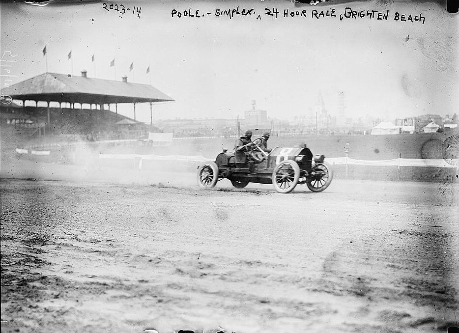 This photograph was taken in 1900 of Poole - Simplex, 24 hour race, Brighton Beach by Bain News Service