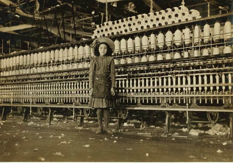 Young spinner in Roanoke Va.Cotton Mills. Said fourteen years old, but it is doubtful. See exterior photos and age comparisons in 2161 to 2163.