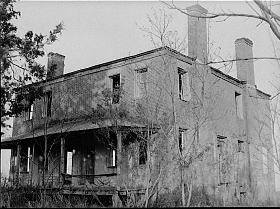 Abandoned plantation house. Greene County, Georgia