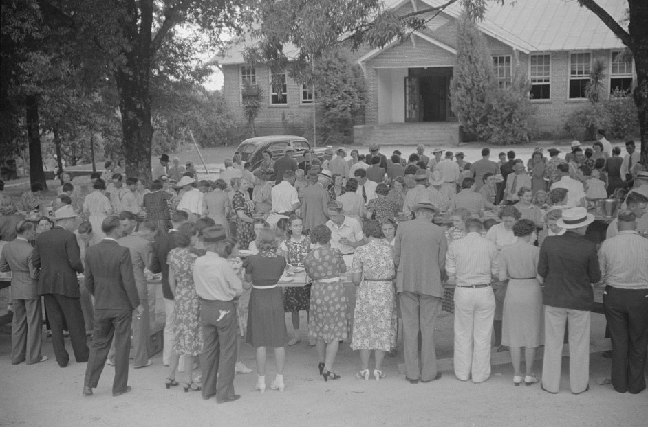 Barbeque picnic on the occasion of the dedication of a FSA (Farm Security Administration) building, Greene County, Georgia 1939