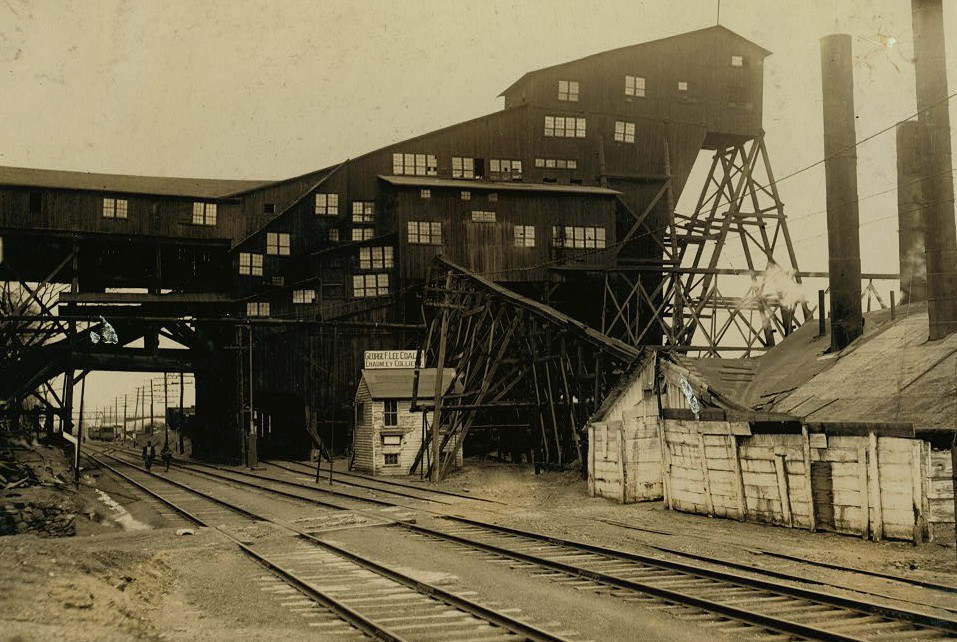 Breaker of the Chauncy Colliery, where a 15 year old breaker-boy was smothered to death and another badly burned, Jan. 7, 1911.