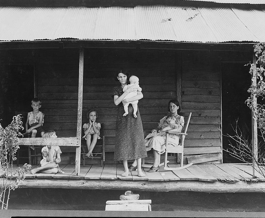 Cotton sharecropper family. Macon County, Georgia 1937 lange