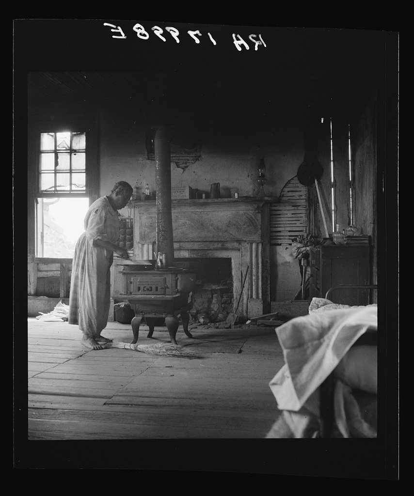 Occupied By An Elderly Black Couple In 1937 Interior Of A Plantation