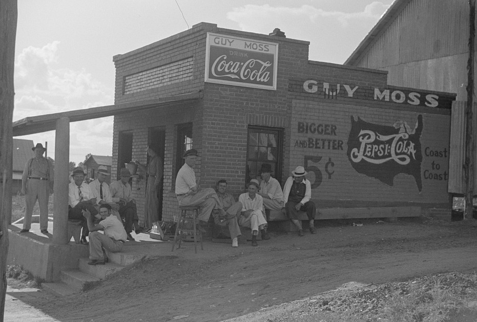Men hanging around crossroads store2, Greene County, Georgia 1939