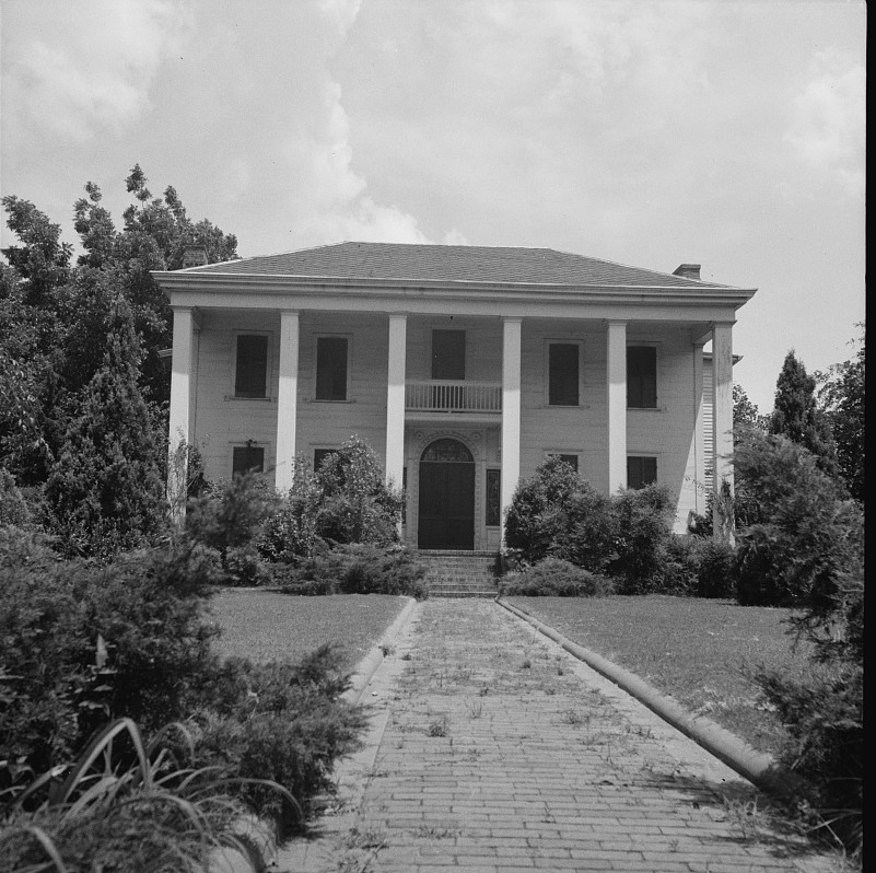 Plantation owner's home. Marshallville, Georgia2 1937 lange