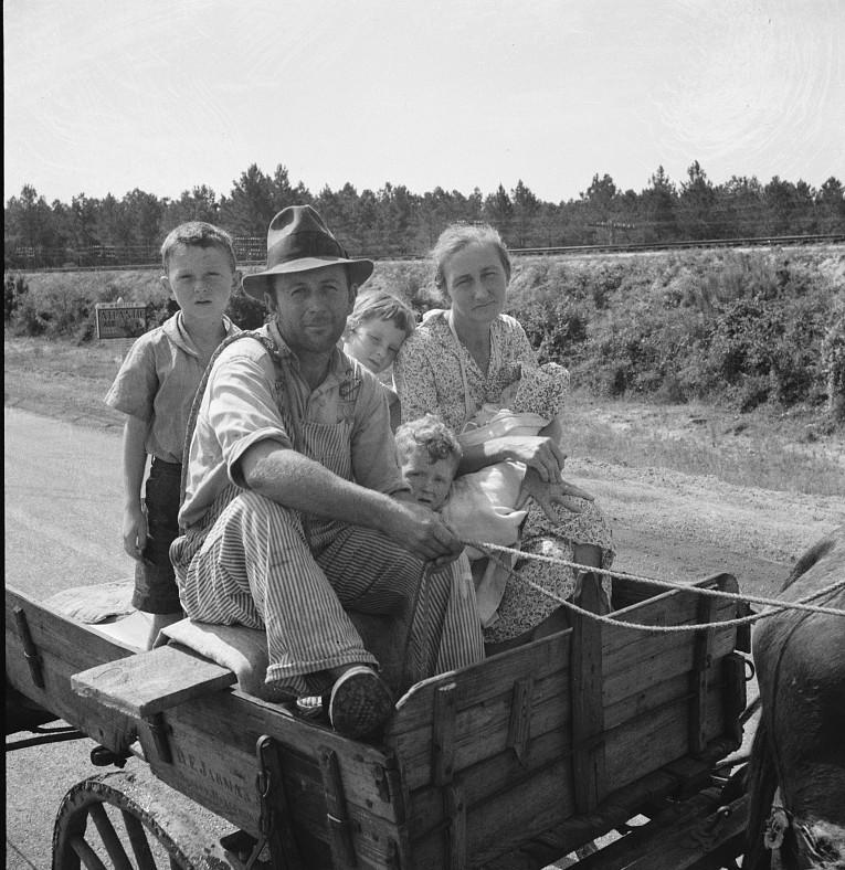 Sharecropper family near Hazlehurst, Georgia 1937 Lange