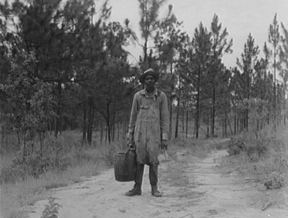Waycross Georgia Turpentine dipper July 1937 by Dorothea Lange