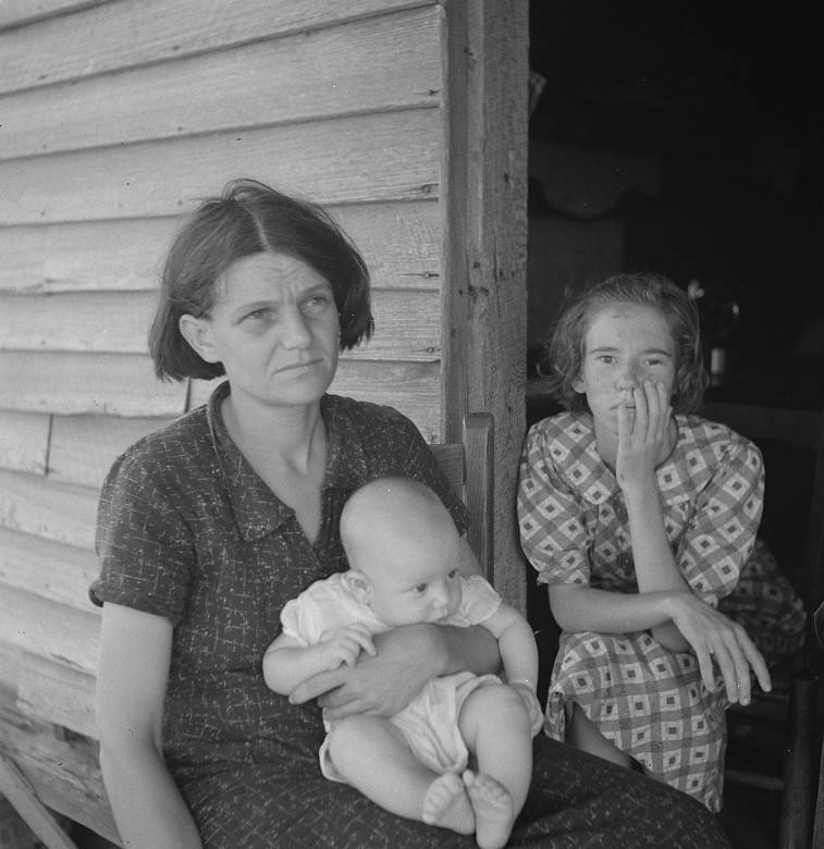 landless family near Macon 1937 Lange