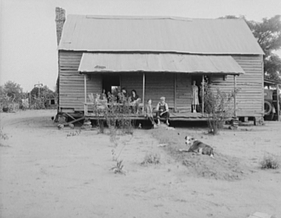 landless family near Macon2 1937 Lange