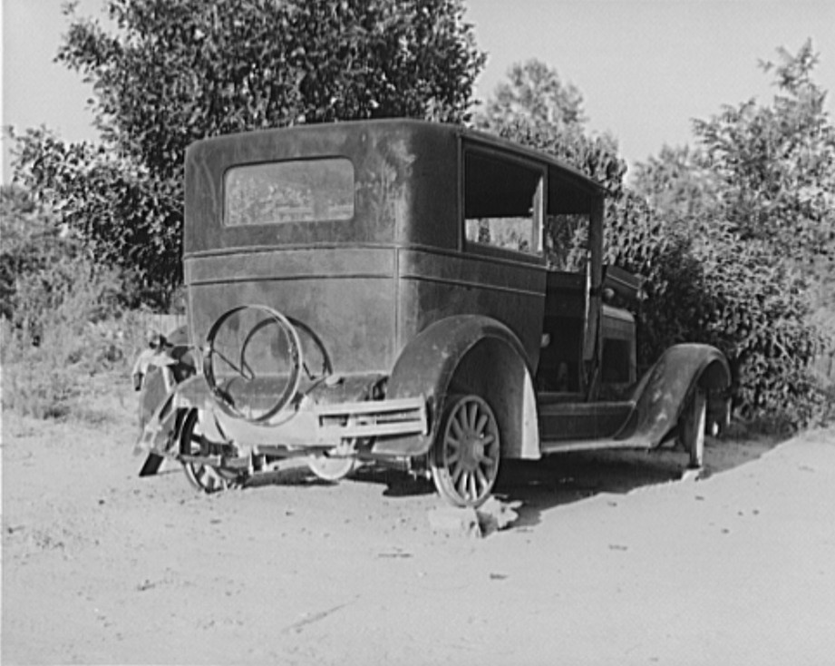 sharecropper's car near Hartwell, Georgia 1937 dorothea lange