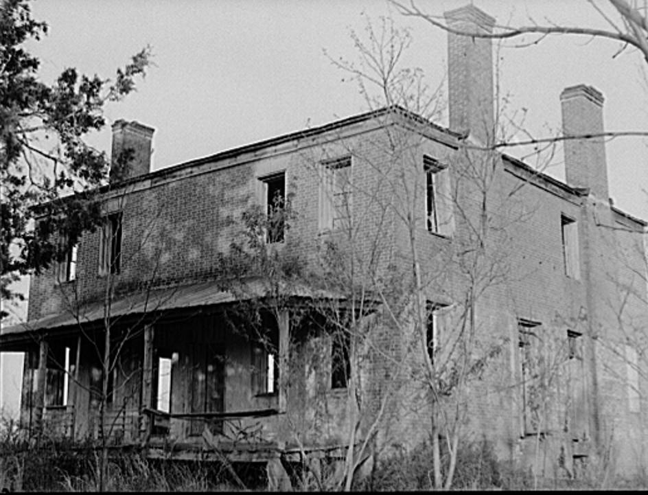 Abandoned plantation house. Greene County, Georgia