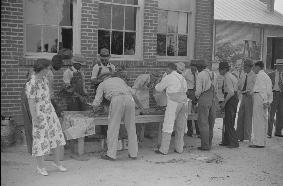 Barbeque picnic on the occasion of the dedication of a FSA (Farm Security Administration) building, Greene County, Georgia7 1939