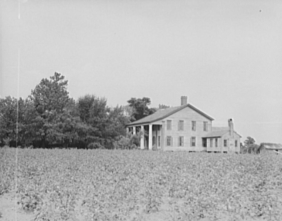 Pharr Plantation house near Social Circle, Georgia2 1937 Lange
