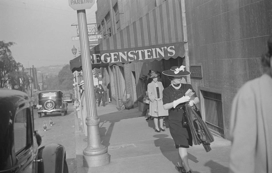 Salesgirl leaving work, Atlanta, Georgia 7may 1939