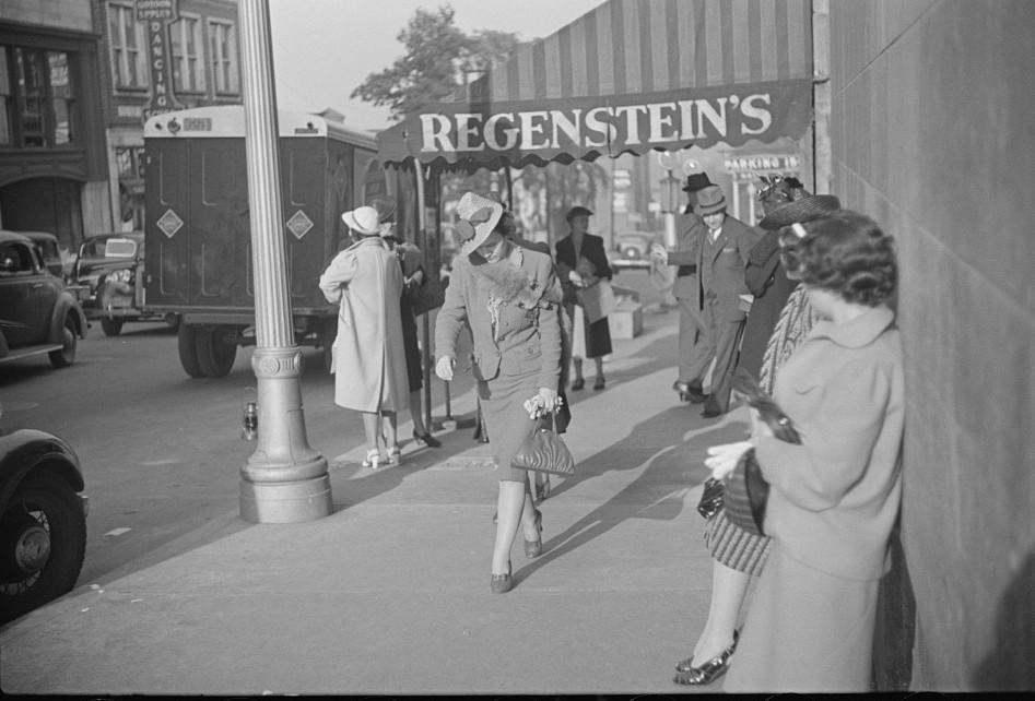 Salesgirl leaving work, Atlanta, Georgia 9may 1939