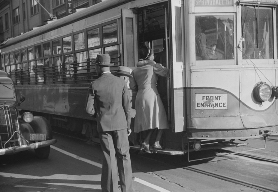 domestic help boarding streetcar