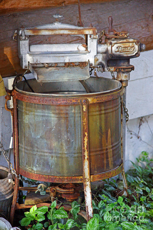 Old Washing Machine ~ Old washing machines and the good days gone by