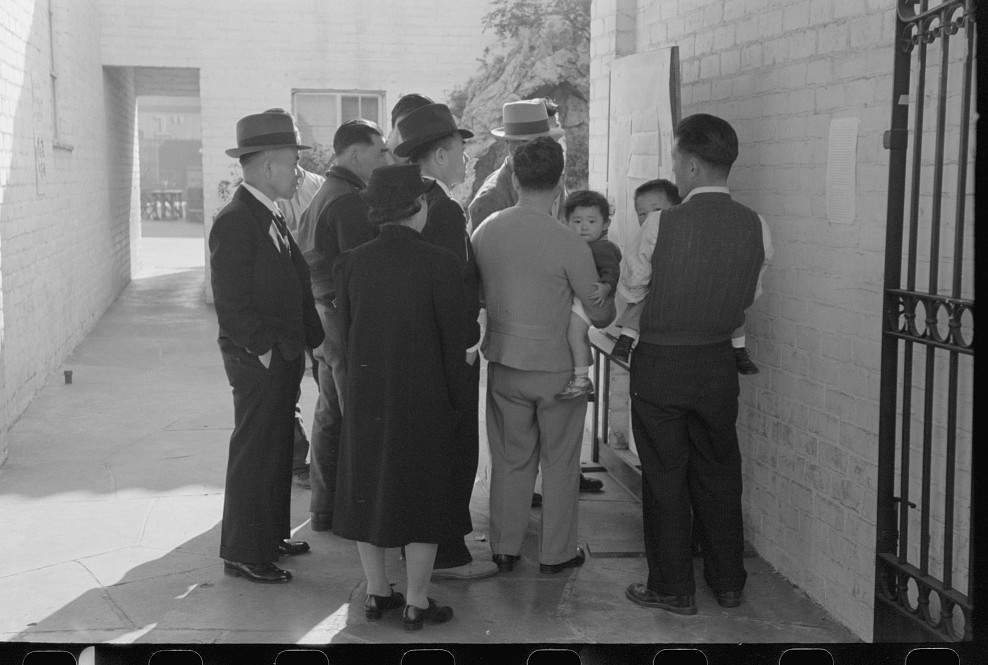 reading orders los angeles april 1942 russell lee