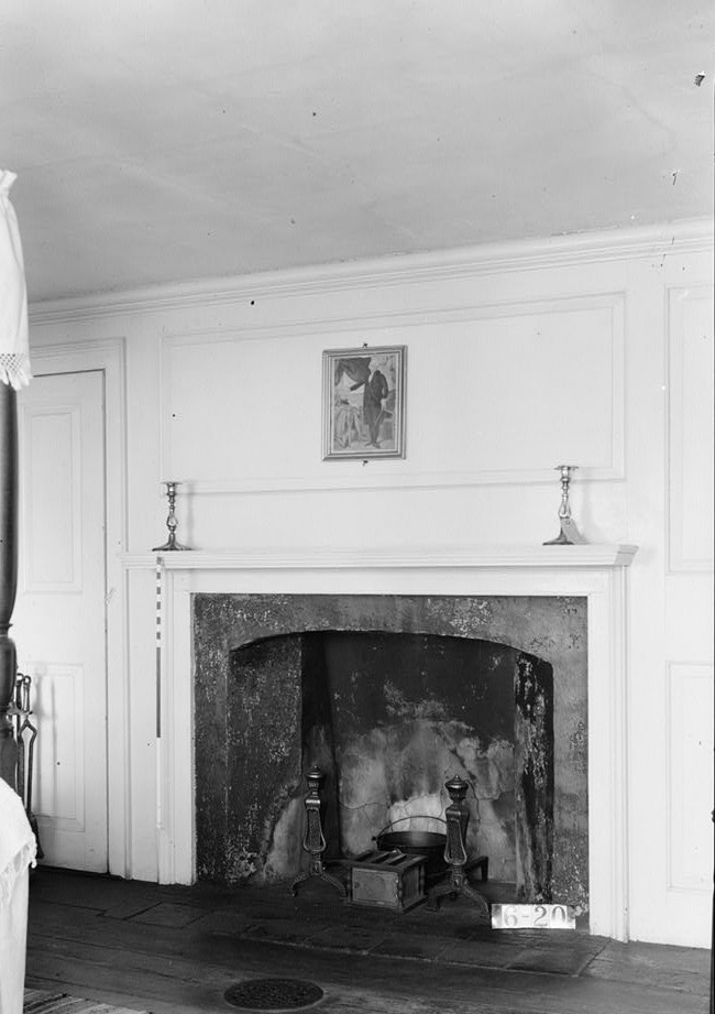 Wallace House, Washington Place, Somerville, Somerset County, NJ by photographer Nathaniel R. Ersin ca. 1934 interior bedroom detail