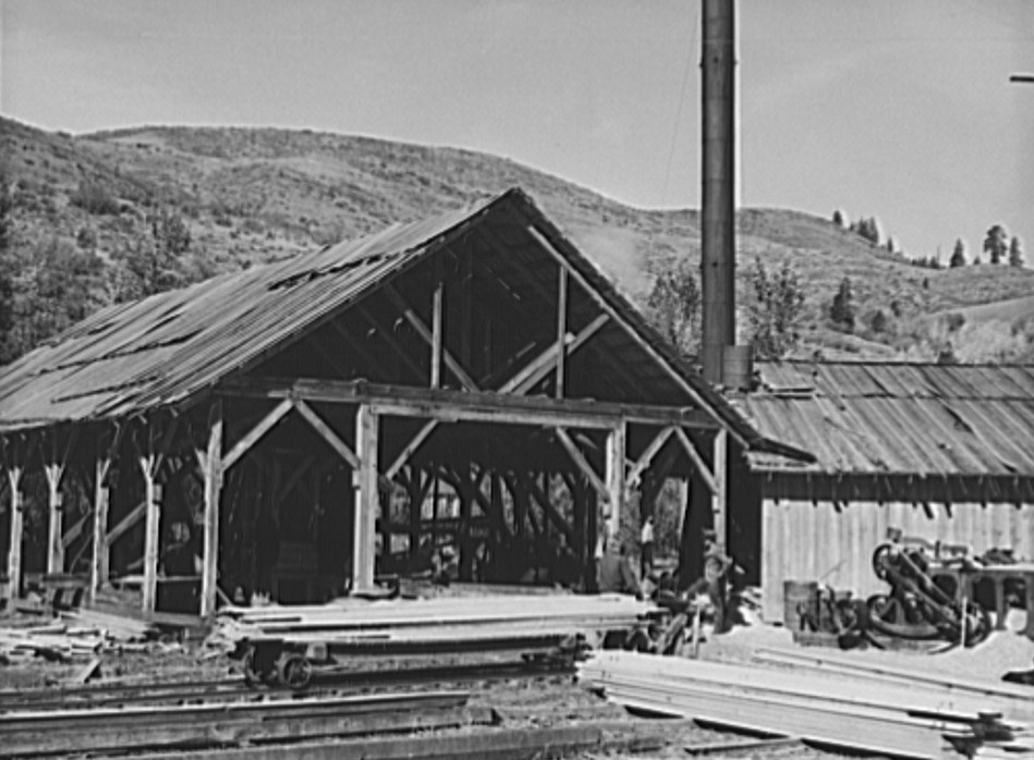 Close-up of the sawmill. Ola self-help sawmill co-op. Gem County, Idaho