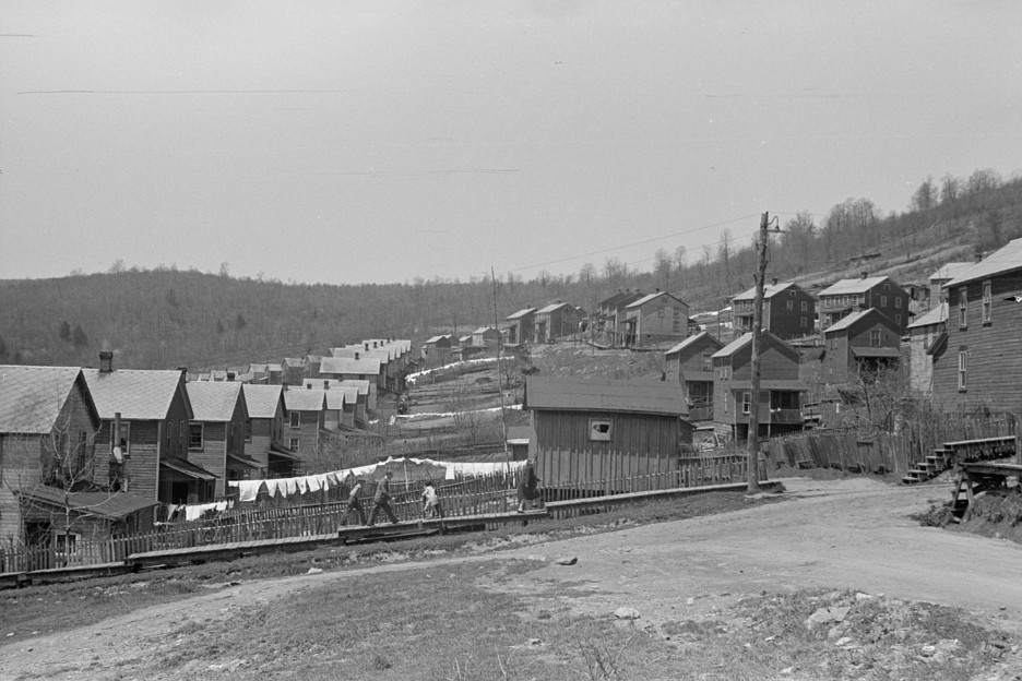Company town Kempton, West Virginia in 1939 by photographer John Vachon