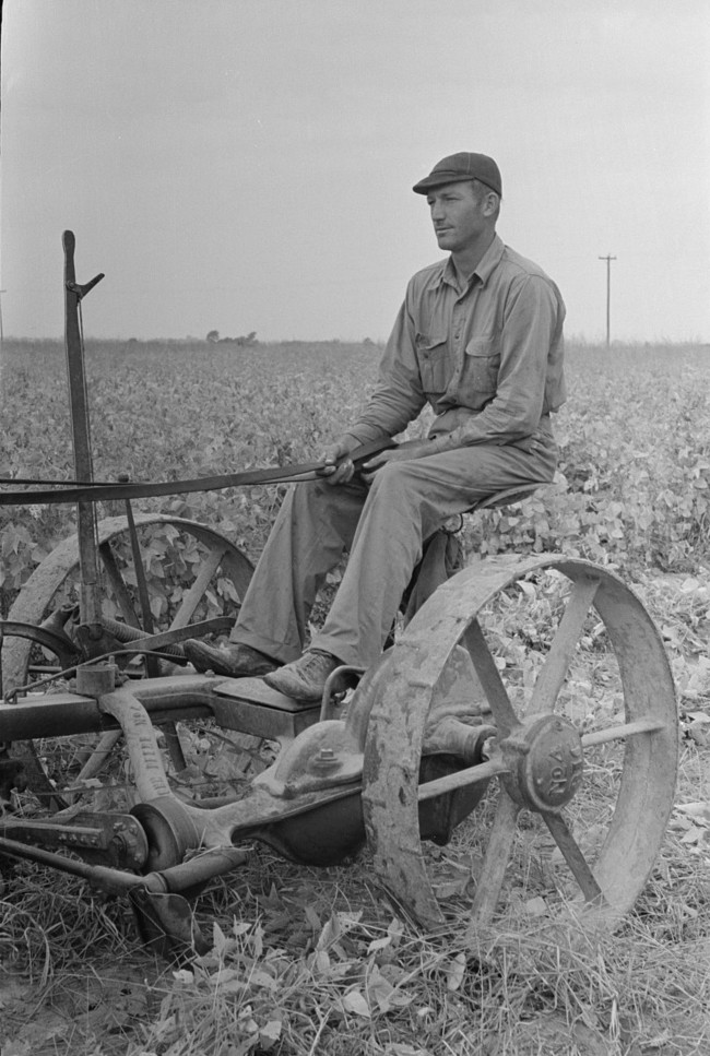 Farmer Lake Dick Project, Arkansas by Russell Lee Oct 1938