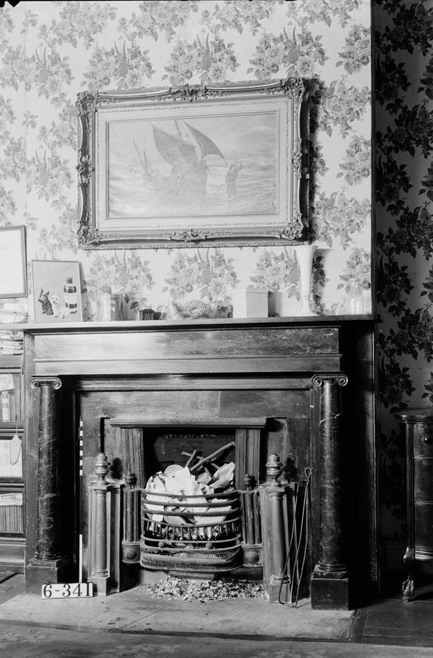 Franklin house Nathaniel R. Ewan, Photographer October 16, 1936 1st floor bedroom - mantel detail