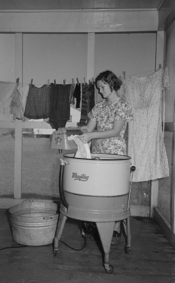 Lake Dick Farm wife washing clothes Lee Russell