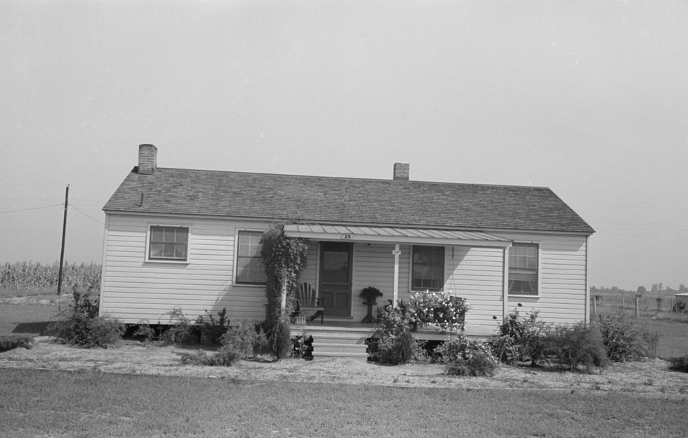 Lake Dick farm home taken by Photographer Lee Russell in 1938