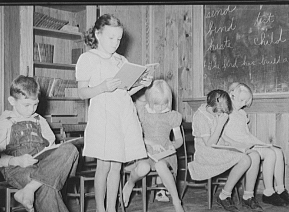 Reciting a lesson at Lake Dick School 1938 by photographer Russell Lee