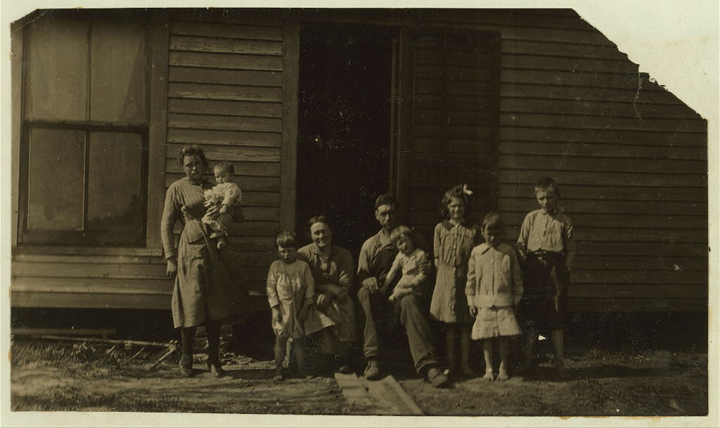 Calvin Humphrey family, Elizabethtown, Kentucky 1916 by photographer Lewis Wickes Hine