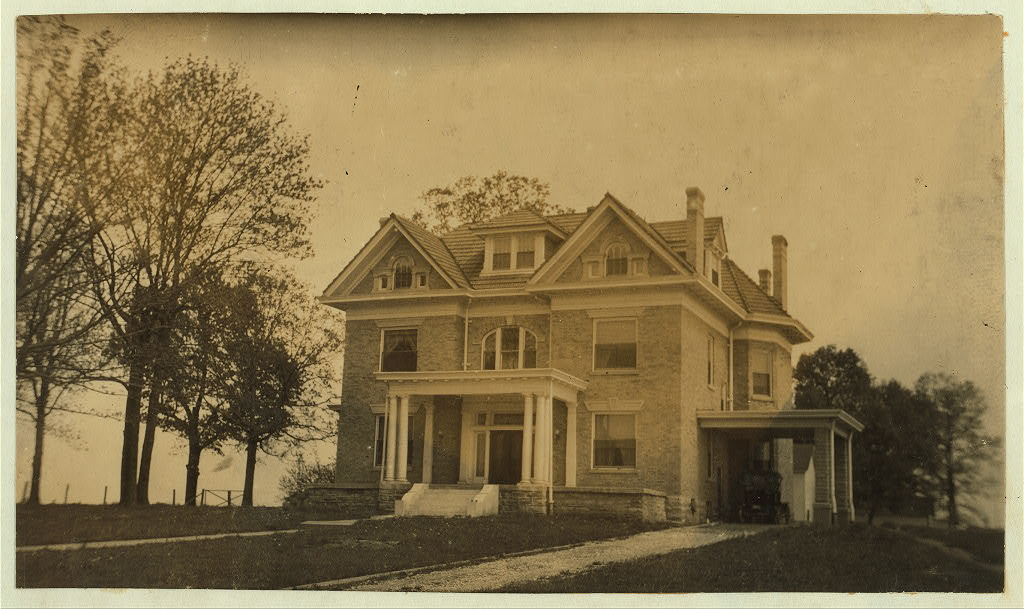 E. J. Hayward home by photogrpher Lewis Wickes Hine in 1916