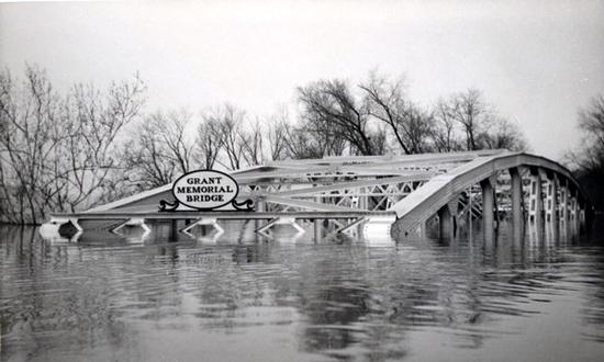 Grant Memorial Bridge in Point Pleasant, Ohio