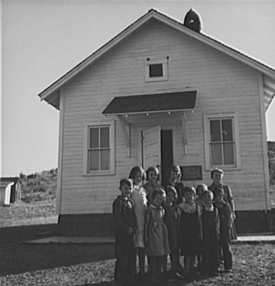 Jacknife School, Gem County, Idaho. Eleven pupils, two of them children of families belonging to Ola self-help sawmill co-op