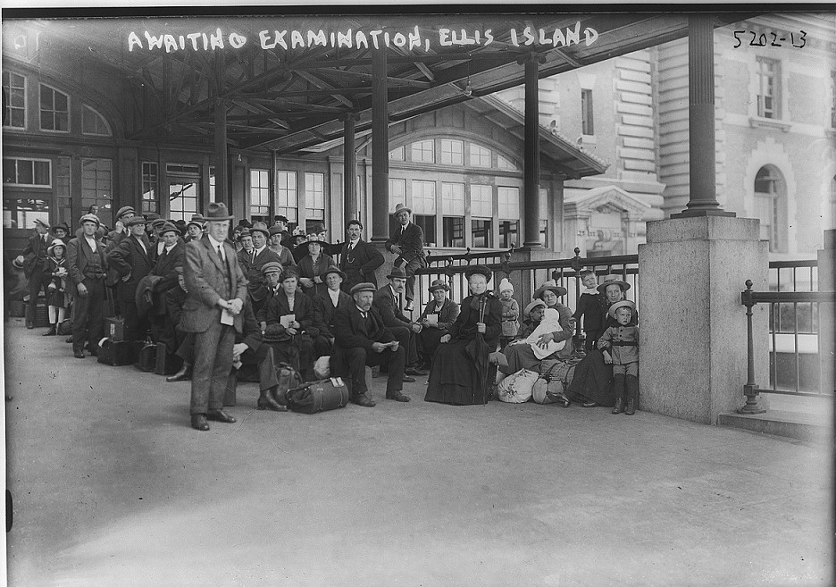 Awaiting examination, Ellis Island between 1907-1912